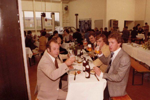 1980-Mechanikerteam--Einweihungsfeier